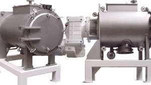 Double-walled, liquid-cooled devices for food industry and process technology